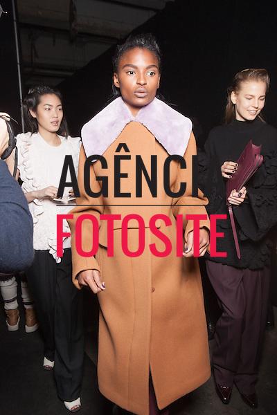 Nova Iorque, EUA &ndash; 02/2014 - Desfile de 3.1 Phillip Lim durante a Semana de moda de Nova Iorque - Inverno 2014.&nbsp;<br /> Foto: FOTOSITE