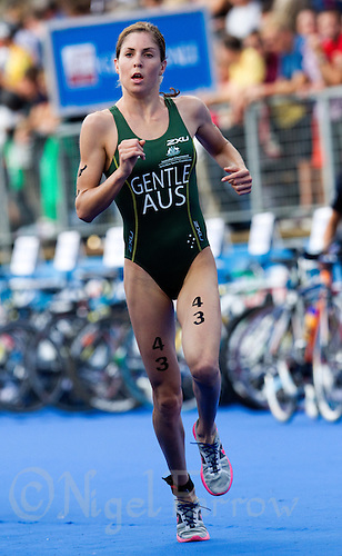 12 SEP 2010 - BUDAPEST, HUN - Ashleigh Gentle - 2010 ITU Junior Womens World Championships (PHOTO (C) NIGEL FARROW)