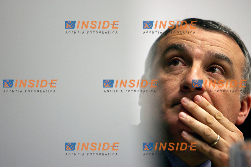 Roma 22/3/2006 Conferenza cittadina della Margherita di Roma. il Presidente della Regione Lazio Piero Marrazzo<br /> <br /> <br /> <br /> Photo Andrea Staccioli Insidefoto