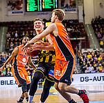 Clint CHAPMAN (#13 MHP Riesen Ludwigsburg) \Hans BROSE (#30 Mitteldeutscher BC) Adika PETER-MCNEILLY (#21 Mitteldeutscher BC)  beim Spiel in der Basketball Bundesliga, MHP Riesen Ludwigsburg - Mitteldeutscher BC.<br /> <br /> Foto &copy; PIX-Sportfotos *** Foto ist honorarpflichtig! *** Auf Anfrage in hoeherer Qualitaet/Aufloesung. Belegexemplar erbeten. Veroeffentlichung ausschliesslich fuer journalistisch-publizistische Zwecke. For editorial use only.