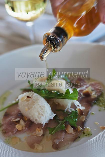 Afrique/Afrique du Nord/Maroc/Essaouira: Picatta d'espadon mariné à l'huile d'argan, choucroute de navet à l'ail de gingembre, Recette de Menad Berkani  du restaurant de l'Hôtel Sofitel Médina Beach & Spa