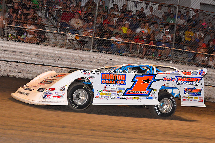 Feb 20, 2014; 6:58:22 PM;  Barberville, FL, USA;  World of Outlaws Late Model Series for 43rd Annual DIRTcar Nationals presented by Summit Racing Equipment at Volusia Speedway Park.  Mandatory Credit: (thesportswire.net)