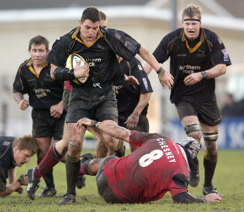 Photo. Jed Wee.Newcastle Falcons v Saracens, Parker Pen Challenge Cup, Kingston Park, Newcastle. 19/01/2003..Newcastle's Phil Dowson.