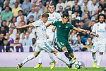 Aissa Mandi of Real Betis (R) fights for the ball with Toni Kroos of Real Madrid (L) during the La Liga 2017-18 match between Real Madrid and Real Betis at Estadio Santiago Bernabeu on 20 September 2017 in Madrid, Spain. Photo by Diego Gonzalez / Power Sport Images