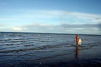 Santo Antonio_BA, Brasil...Pesca na praia do vilarejo de Santo Antonio no norte da Bahia...The fishing in the beach in Santo Antonio village in Bahia north...Foto: LEO DRUMOND / NITRO