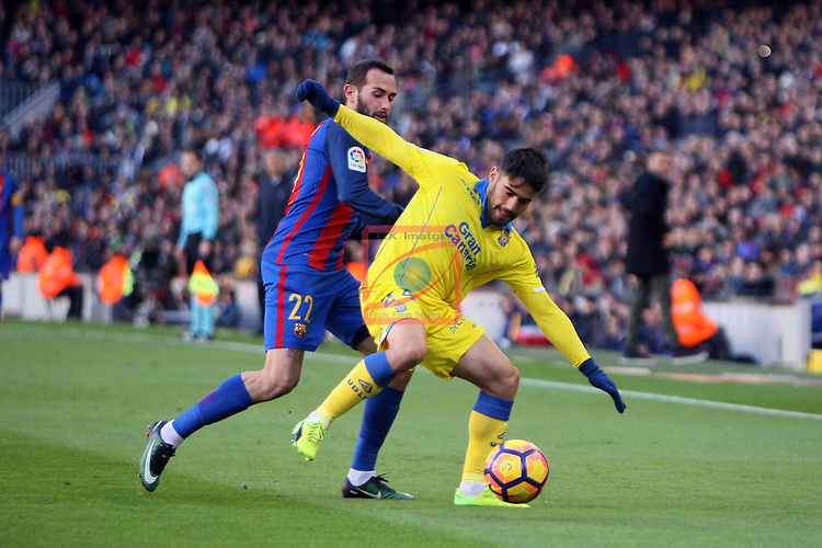 League Santander 2016/2017. Game: 18.<br /> FC Barcelona vs UD Las Palmas: 5-0.<br /> Aleix Vidal vs Tana.