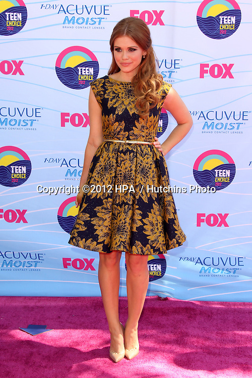 LOS ANGELES - JUL 22:  Holland Roden arriving at the 2012 Teen Choice Awards at Gibson Ampitheatre on July 22, 2012 in Los Angeles, CA