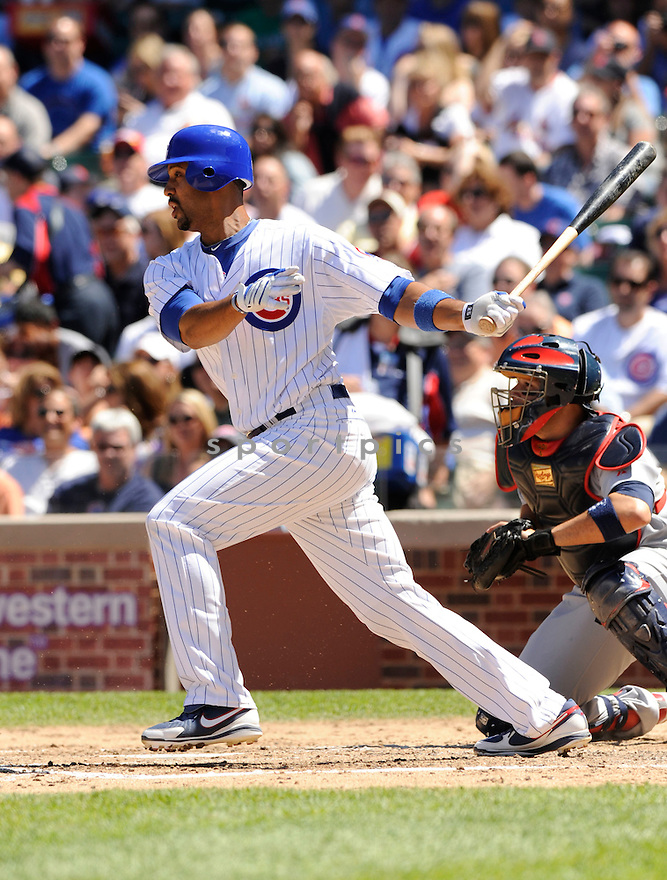 DERREK LEE,  of the Chicago Cubs  in action  during the Cubs game against the St. Louis Cardinals.  The Cardinals beat the Cubs 7-1 in Chicago, Illinois on May 28, 2010...DAVID DUROCHIK / SPORTPICS