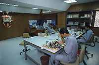 INDIA Daman , wind turbine producer Enercon India Ltd., assembly of electronic components / INDIEN Daman , Produktion von Windturbinen des deutsch indischen Joint Venture Enercon India Ltd., Fertigung von elektronischen Komponenten - MORE IMAGES ON THIS SUBJECT AVAILABLE!!