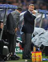 FUSSBALL   1. BUNDESLIGA   SAISON 2011/2012    10. SPIELTAG Hamburger SV - VfL Wolfsburg                                22.10.2011 Trainer Thorsten FINK (re) und Sportchef Frank ARNESEN (li, beide Hamburg)