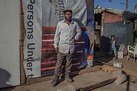 Der illegale Goldgräber Joe Hlatshwayo, 42, im südafrikanischen Slum New Canada, Johannesburg. Er wohnt hier.