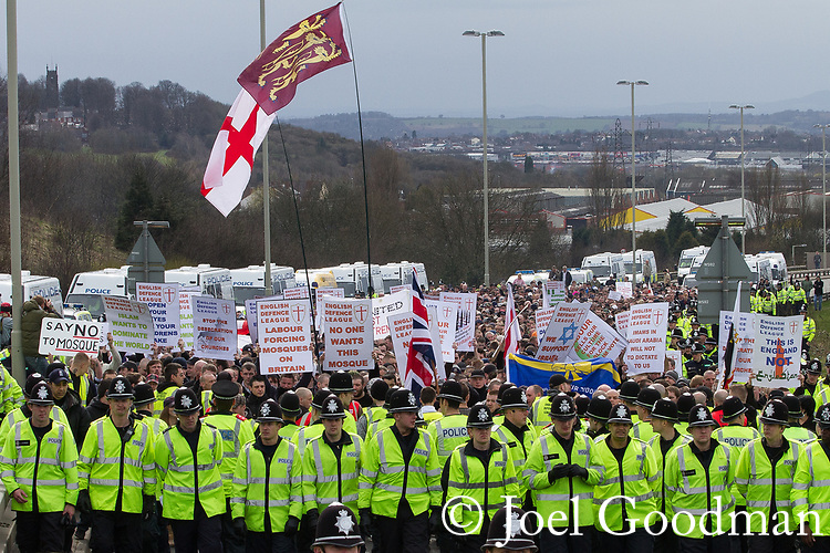 © Joel Goodman - 07973 332324 - all rights reserved . 03/04/2010 . Dudley , UK . The English Defence League ( EDL ) hold a demonstration in Dudley , opposed by Unite Against Fascism ( UAF ) . Photo credit : Joel Goodman
