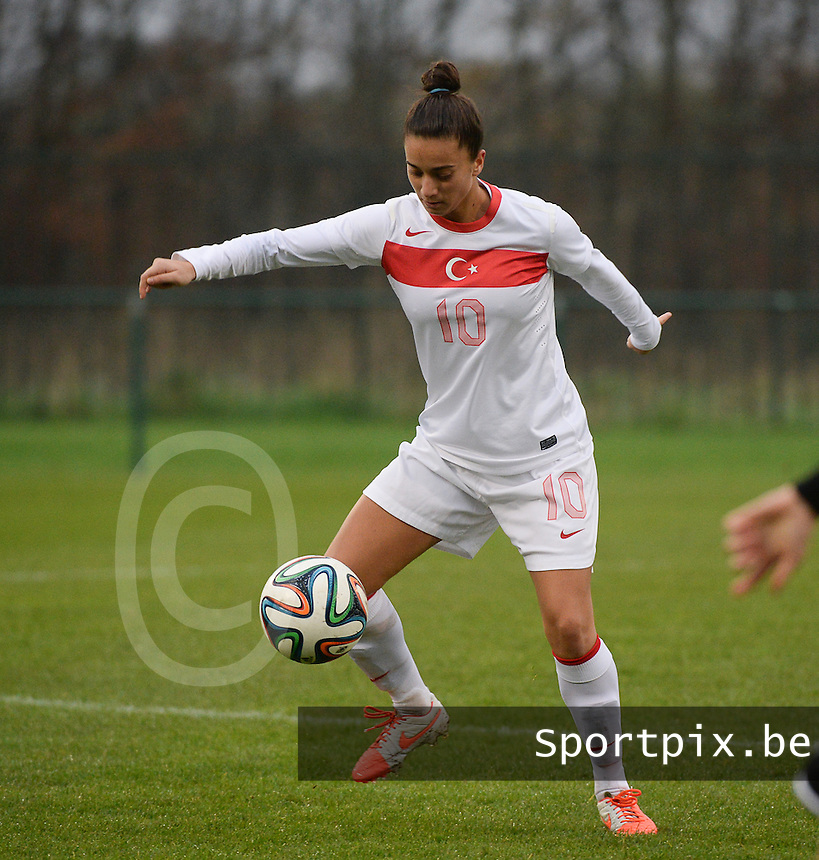 20141126 - TUBIZE , BELGIUM : Turkish Emine Ecem Esen pictured during the Friendly female soccer match between Women under 19 / 21  teams of  Belgium and Turkey .Wednesday 26th November 2014 . PHOTO DAVID CATRY