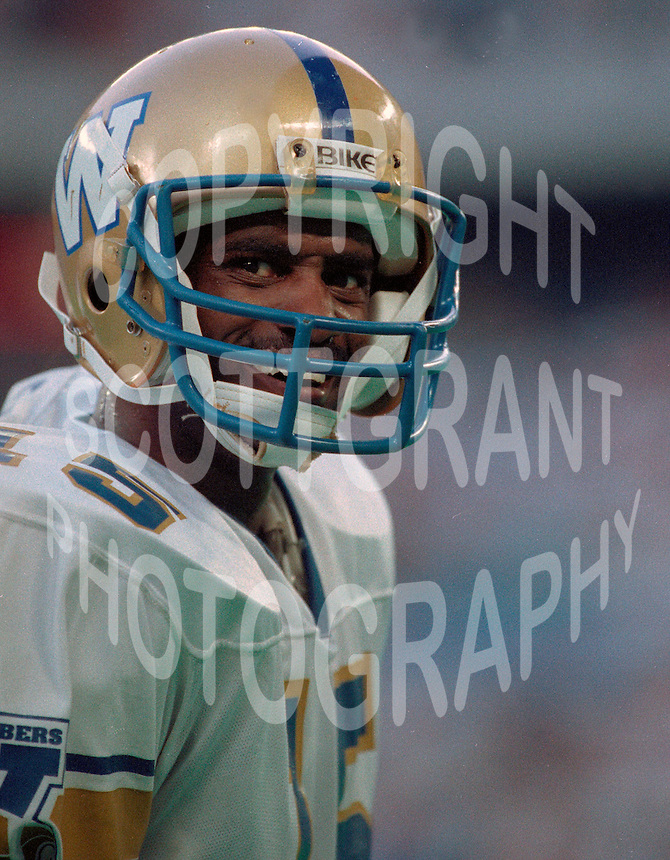 Less Browne Winnipeg Blue Bombers 1991. Copyright photograph Scott Grant