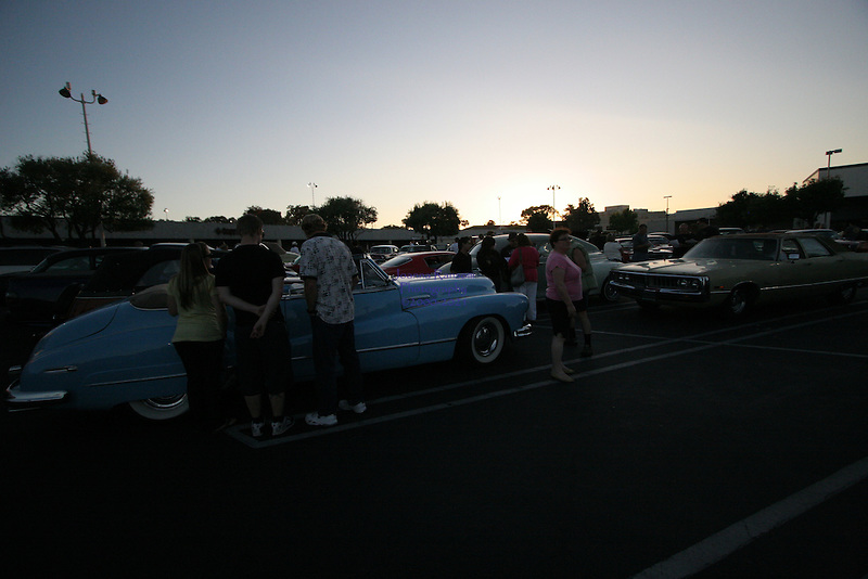 Cruise night in San Mateo, <br />