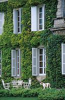 Europe/France/Aquitaine/33/Gironde/Saint-Julien: Détail de la façade du Château Talbot (AOC Saint-Julien)