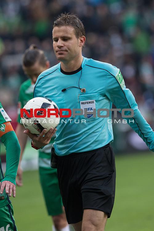 16.04.2017, Weser Stadion, Bremen, GER, 1.FBL, Werder Bremen vs Hamburger SV, im Bild<br /> <br /> <br /> Dr. Felix Brych ( Schiedsrichter / Referee)<br /> Foto &copy; nordphoto / Kokenge