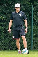 SÃO PAULO, SP, 12.11.2015 - FUTEBOL-SAO PAULO - Milton Cruz durante treino do São Paulo Futebol Clube no Centro de Treinamento da Barra Funda, nesta quinta-feira, 12.  (Foto: Vanessa Carvalho/Brazil Photo Press)