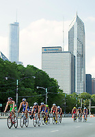 29 JUN 2014 - CHICAGO, USA - Competitors on the bike during the elite men's ITU 2014 World Triathlon Series round in Grant Park, Chicago in the USA (PHOTO COPYRIGHT © 2014 NIGEL FARROW, ALL RIGHTS RESERVED)