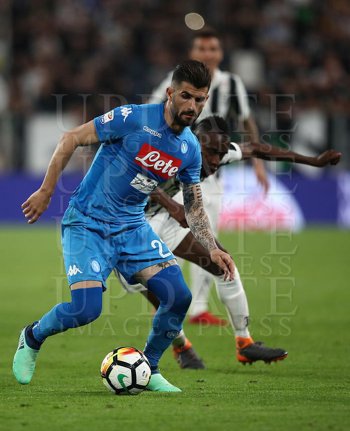 Calcio, Serie A: Juventus - Napoli, Torino, Allianz Stadium, 22 aprile, 2018.<br /> Napoli's Elseid Hysaj (l) in action with Juventus' Blaise Matuidi (r) during the Italian Serie A football match between Juventus and Napoli at Torino's Allianz stadium, April 22, 2018.<br /> UPDATE IMAGES PRESS/Isabella Bonotto