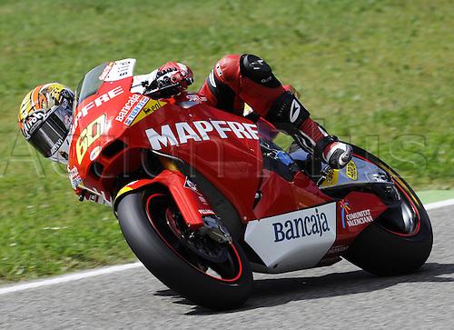 06 06 2010 Julian Simon ESP Suter. Moto2 class, 600cc spec Honda eninges in prototype chassis. Gran Premio d'Italia TIM, Mugello circuit, Italy.