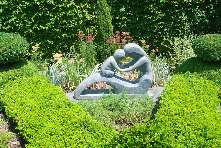 Relatively Garden statue of Mother and child modern | Plant & Flower Stock  EI84