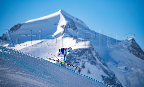 01.12.2016, Val d Isere, France.  FIS World Cup Alpine skiing , Val d Isere, Training. Dominik Schwaiger (GER) in action during the 2nd practice run