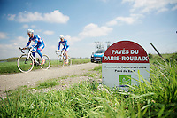 Pavés du Paris-Roubaix: Pavé du Bart<br /> <br /> 2014 Paris - Roubaix reconnaissance
