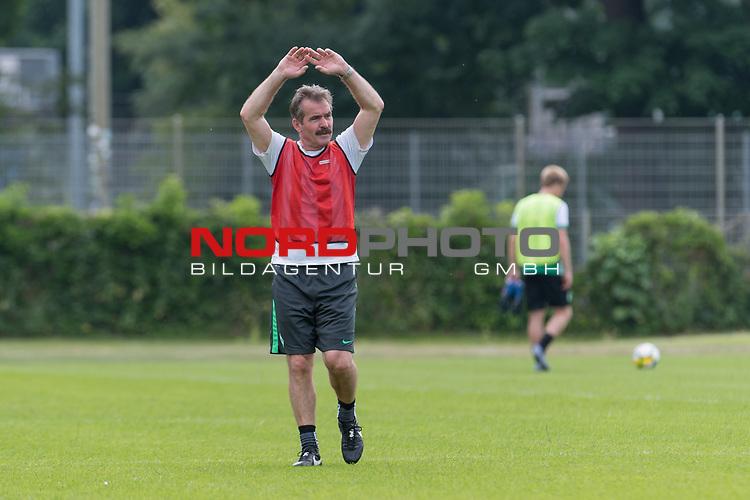 22.06.2017, Trainingsgelaende, Bremen, GER, 3.FBL, Training Werder Bremen II<br /> <br /> im Bild<br /> Miroslav Votava (Co-Trainer / Scouting SV Werder Bremen II), <br /> <br /> Foto &copy; nordphoto / Ewert