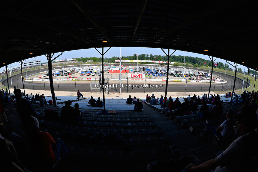Jun 8, 2013; 5:15:21 PM; Rossburg, OH., USA; The 19th annual Dirt Late Model Dream XIX in an expanded format for Eldora's $100,000-to-win race includes two nights of double features, 567 laps of action  Mandatory Credit:(thesportswire.net)