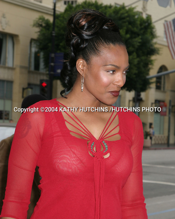 """©2004 KATHY HUTCHINS /HUTCHINS PHOTO.PREMIERE OF """"POLAR EXPRESS"""".LOS ANGELES, CA.NOVEMBER 6, 2004..NONA GAYE"""