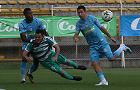 ENVIGADO- COLOMBIA, 18-10-2019.John Edison Garcia (Der.) jugador del Envigado disputa el balón con Kevin Riascos (Izq.) jugador de La Equidad durante partido por la fecha 18 de la Liga Águila II 2019 jugado en el estadio Polideportivo Sur de la ciudad de Medellín. /Jaider Riquett (R) player of Envigado figths the ball agaisnt of Kevin Riascos (L) player of La Equidad during the match for the date 18 of the Liga Aguila II 2019 played at Polideportivo Sur stadium in Medellin  city. Photo: VizzorImage / Leon Monsalve/ Contribuidor