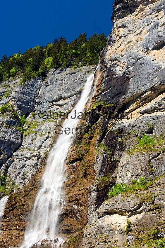 CHE, SCHWEIZ, Kanton Bern, Berner Oberland, Lauterbrunnen: Staubbachfall | CHE, Switzerland, Bern Canton, Bernese Oberland, Lauterbrunnen: Staubbach waterfall