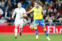Real Madrid's Gareth Bale (l) and UD Las Palmas' Dani Castellano during La Liga match. March 1,2017. (ALTERPHOTOS/Acero) /NORTEPHOTOmex