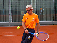 Austria, Kitzbuhel, Juli 14, 2015, Tennis, Davis Cup, Training Dutch team ready to practise, coach Martin Bohm<br /> Photo: Tennisimages/Henk Koster