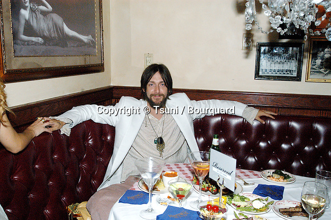 Chris Robinson at the party folling the premiere of Banger Sisters at the new complex mall and theatre the Groves in Los Angeles. September 19, 2002.          -            RobinsonChris47.jpg