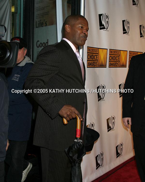 ©2005 KATHY HUTCHINS /HUTCHINS PHOTO.10TH ANNUAL CRITICS CHOICE AWARDS.WILTERN THEATER.LOS ANGELES, CA.JANUARY 10, 2005..JAMIE FOXX
