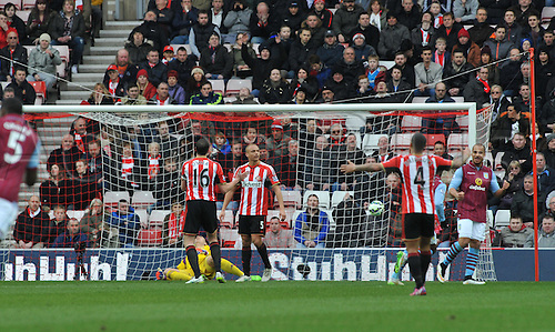 14.03.2015.  Sunderland, England. Barclays Premier League. Sunderland versus Aston Villa.   First goal to Christian Benteke of Aston Villa as Sunderland players complain to each other