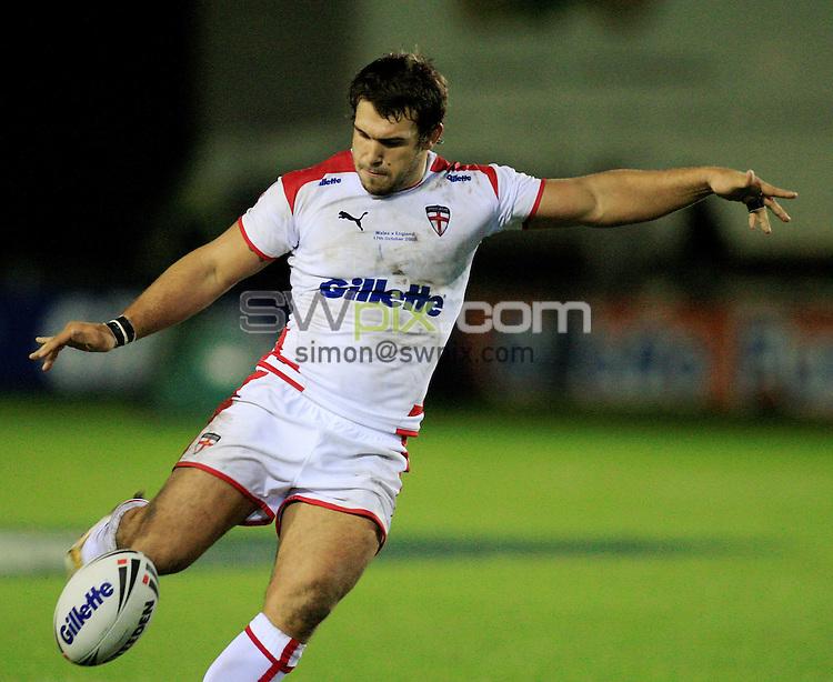 Pix: Chris Mangnall/SWpix.com, Rugby League, Gillett Fusion International 17/10/09 Wales v England....picture copyright>>Simon Wilkinson>>07811267 706>>....England's Scott Moore