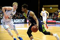 GRONINGEN - Basketbal, Donar - ZZ Leiden, Martiniplza, Halve finale NBB beker, seizoen 2018-2019, 13-02-2019, Leiden speler Mohamed Kherrazi  met Donar speler Rienk Mast