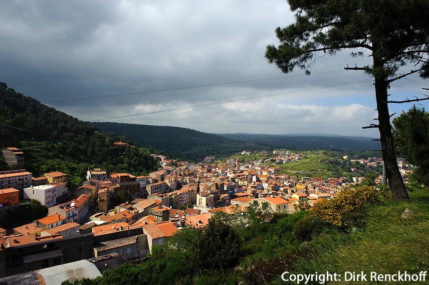 Blick auf Bitti, Provinz Nuoro, Inner- Sardinien, Italien