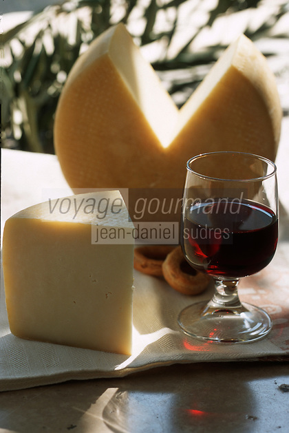 Europe/Italie/La Pouille/Monopoli: Pecorino fromage de brebis
