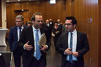 Der Antisemitismusbeauftragte des Bundes, Dr. Felix Klein, hat am Montag den 26. November 2018 die Antisemitismusbeauftragten der Länder zu erstem Koordinationstreffen eingeladen.<br /> Bisher haben sechs Länder eigene Antisemitismusbeauftrage ernannt: Baden-Wuerttemberg, Bayern, Hessen, Nordrhein-Westfalen, Rheinland-Pfalz, Saarland und Sachsen-Anhalt. Das Treffen, an dem auch Daniel Botmann, Geschaeftsfuehrer des Zentralrates der Juden teilnahm, fand im Bundesministerium des Innern, fuer Bau und Heimat statt.<br /> Im Bild vlnr.: Felix Klein und Daniel Botmann. Links hinter Klein und Botmann: Der Antisemitismusbeauftragte von Sachsen-Anhalt, Wolfgang Schneiss.<br /> 26.11.2018, Berlin<br /> Copyright: Christian-Ditsch.de<br /> [Inhaltsveraendernde Manipulation des Fotos nur nach ausdruecklicher Genehmigung des Fotografen. Vereinbarungen ueber Abtretung von Persoenlichkeitsrechten/Model Release der abgebildeten Person/Personen liegen nicht vor. NO MODEL RELEASE! Nur fuer Redaktionelle Zwecke. Don't publish without copyright Christian-Ditsch.de, Veroeffentlichung nur mit Fotografennennung, sowie gegen Honorar, MwSt. und Beleg. Konto: I N G - D i B a, IBAN DE58500105175400192269, BIC INGDDEFFXXX, Kontakt: post@christian-ditsch.de<br /> Bei der Bearbeitung der Dateiinformationen darf die Urheberkennzeichnung in den EXIF- und  IPTC-Daten nicht entfernt werden, diese sind in digitalen Medien nach §95c UrhG rechtlich geschuetzt. Der Urhebervermerk wird gemaess §13 UrhG verlangt.]