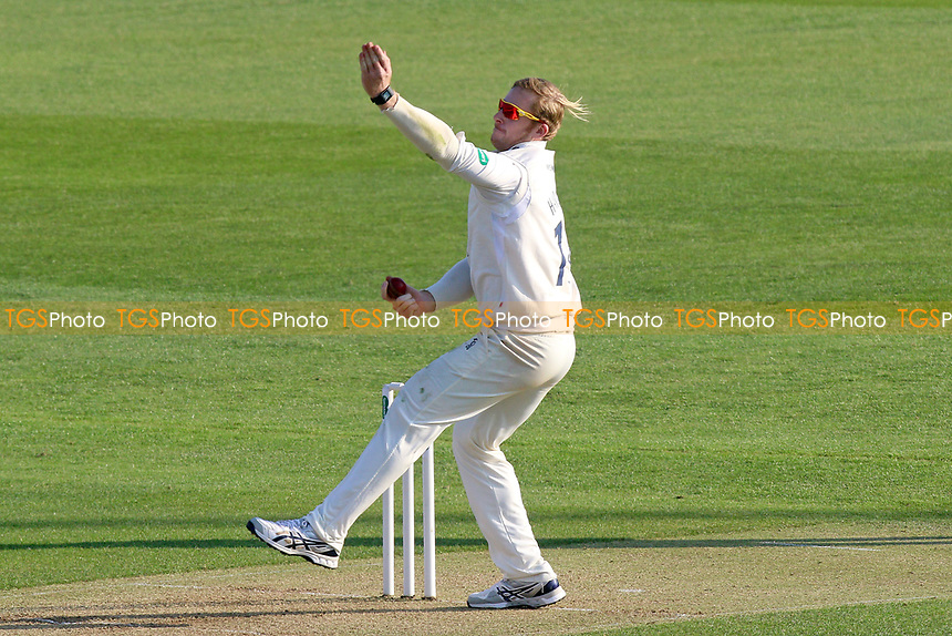 Simon Harmer in bowling action for Essex during Essex CCC vs Lancashire CCC, Specsavers County Championship Division 1 Cricket at The Cloudfm County Ground on 7th April 2017