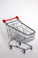 Carrello della spesa, simbolo dell' aumento dei prezzi..The shopping cart, the symbol of increase price..