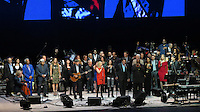 NEW YORK, NY - OCTOBER 4: Aaron Neville, Rita Wilson, Heart, James Taylor, Paul Simon, Bernie Williams, Stevie Wonder and Ruben Blades at Paul Simon's Children's Health Fund's 25th Anniversary Benefit Concert at Radio City Music Hall on October 4, 2012. Credit Jen Maler/MediaPunch Inc. © /NortePhoto /©NortePhoto