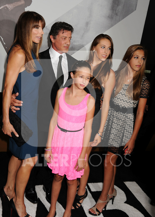HOLLYWOOD, CA - AUGUST 15: Sylvester Stallone, Jennifer Flavin and daugthers Sophia, Sistin and Scarlet arrive at the 'The Expendables 2' - Los Angeles Premiere at Grauman's Chinese Theatre on August 15, 2012 in Hollywood, California. /NortePhoto.com....**CREDITO*OBLIGATORIO** ..*No*Venta*A*Terceros*..*No*Sale*So*third*..*** No Se Permite Hacer Archivo**..*No*Sale*So*third*