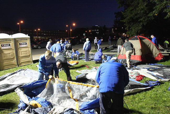 Fans set up tents for Big Blue Madness tickets on 9/28/11 in Lexington, Ky. Photo by Quianna Lige | Staff