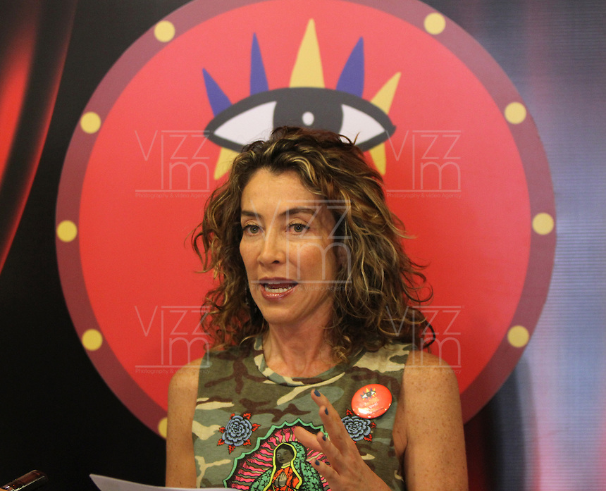 "BOGOTA -COLOMBIA. 19-03-2014. La actriz colombiana Marcela Carvajal realizó una charla sobre grandes estrellas del teatro, la televisión y el cine ""las Celebridades del Festival"" que estarán presentes en el XIV Festival Iberoamericano de Teatro que se realizará en Bogotá entre el 4 y el 20 de abril de 2014./ Marcela Carvajal, colombian actress, gave a talk about celebrities who will attended the XIV Ibero-American Theater Festival to be held in Bogota between 4 and 20, 2014. Photo: VizzorImage / Felipe Caicedo / Staff"