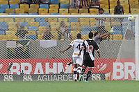 RIO DE JANEIRO, RJ, 02.02.2014 -  Martin Silva do Vasco faz defesa durante o jogo contra Botafogo pela quinta rodada do Cariocão no Maracanã. (Foto. Néstor J. Beremblum / Brazil Photo Press)